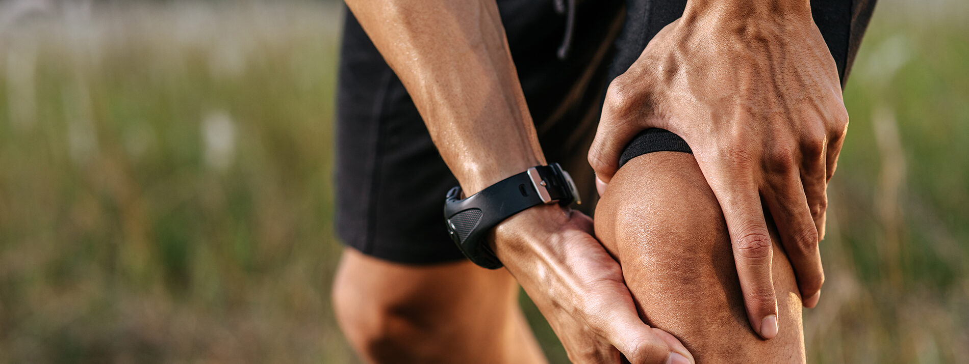 Knee pain injury help with physical therapy